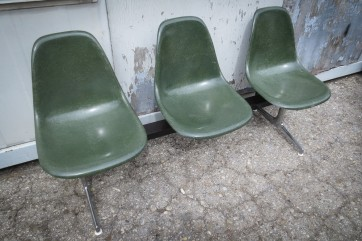 Sitzschalenreihe Eames 3er Reihe