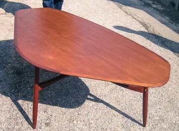 Tisch, Wohnzimmertisch, Teakholz, A-Symetrisch