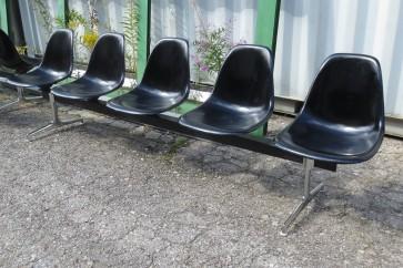 Sitzschalenreihe Eames 5er Reihe