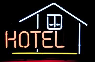 Neonleuchte Hotel