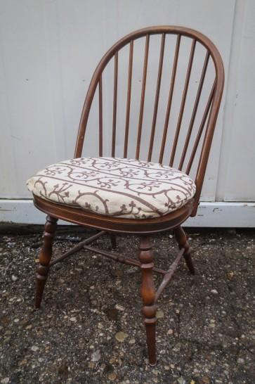 Stuhl, dänisch Design, Holz, mit Sitzpolster, ohne Armlehnen