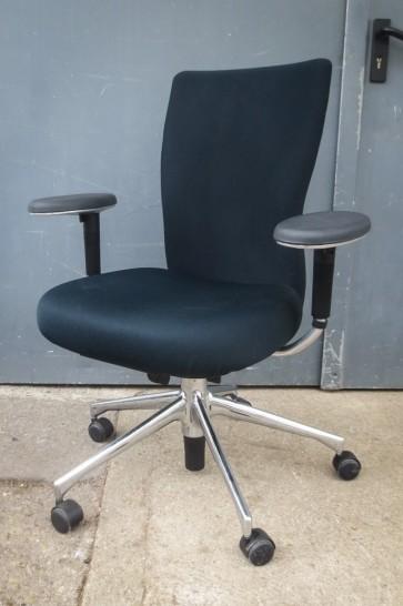 Bürostuhl Vitra T-Chair, sw mit Armpads, Chromfuß